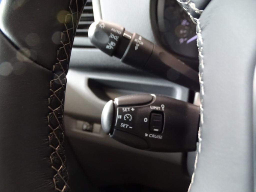 Peugeot Expert 2.0 Kasten Premium L2 120 EU6d-T Multif Lenkrad