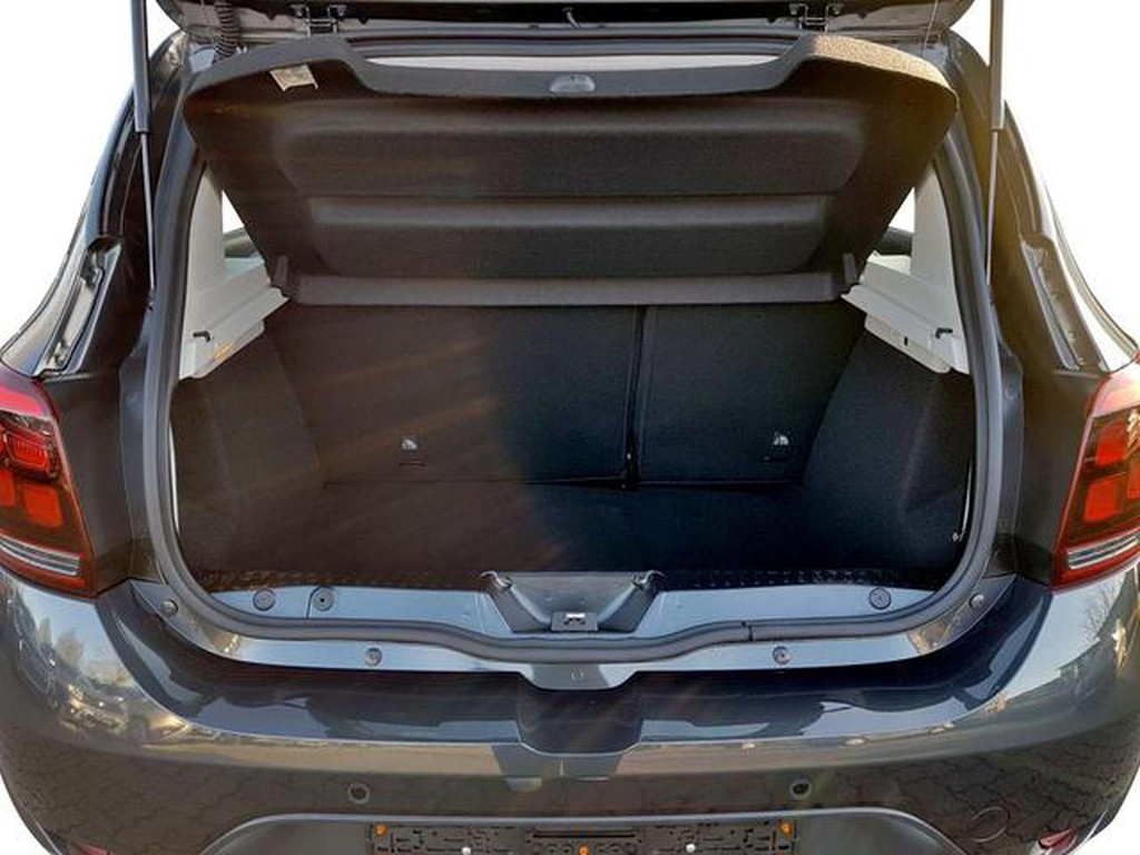 Dacia Sandero Stepway hinten Tce90 66