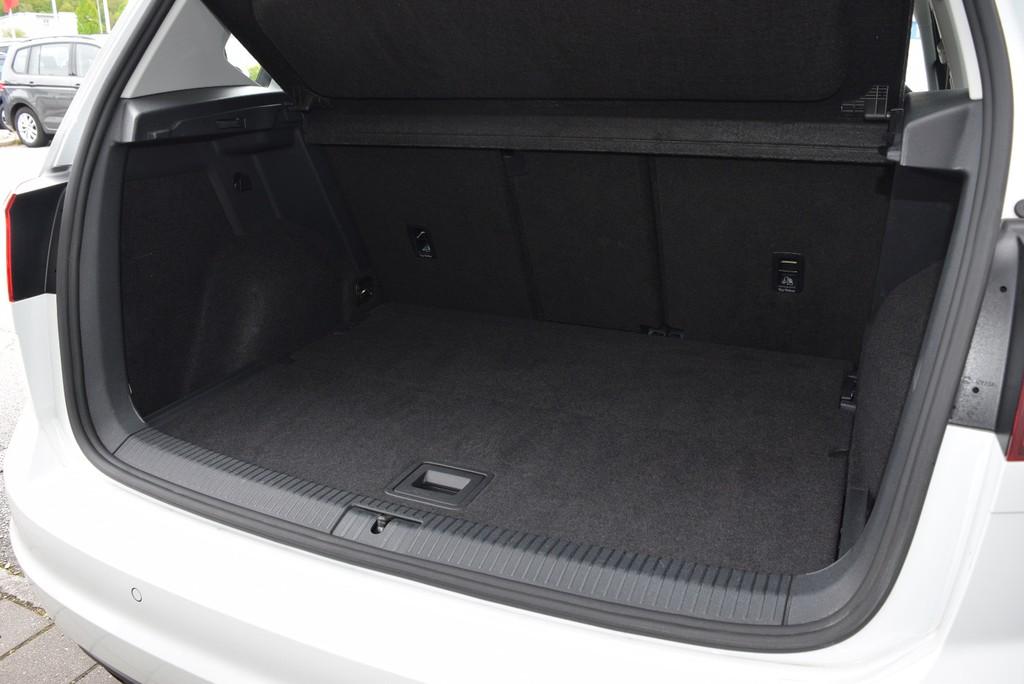 Volkswagen Golf Sportsvan 1.6 TDI Trendline | |