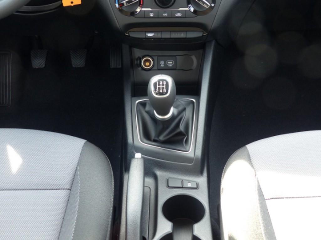 Hyundai i20 1.2 Select EU6d E-Fenster