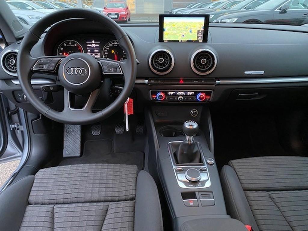 Audi A3 Lim sport 30 TFSI -