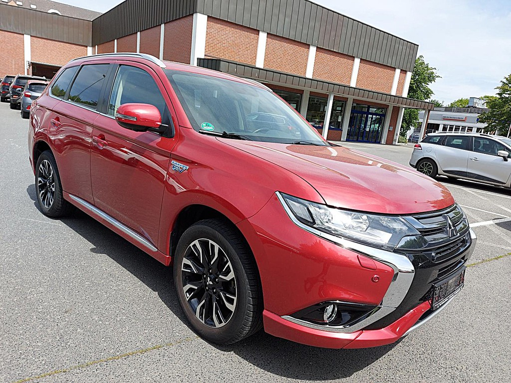 Mitsubishi Plug-in Hybrid Outlander 2.0