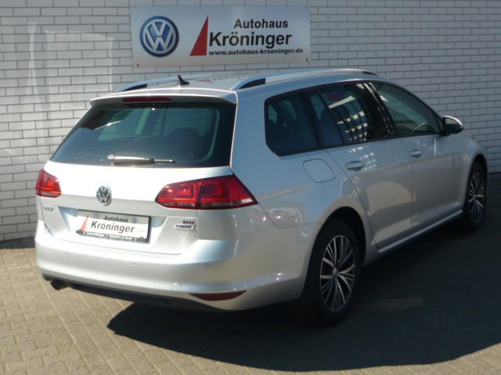 Volkswagen Golf 1.6 TDI VII ALLSTAR Discover Media Licht6Sicht 16 LMR
