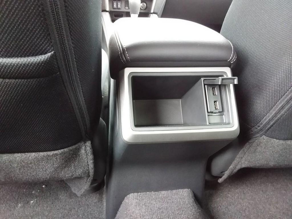 Mitsubishi L200 Pick Up Autm Double Cab Intro Edition