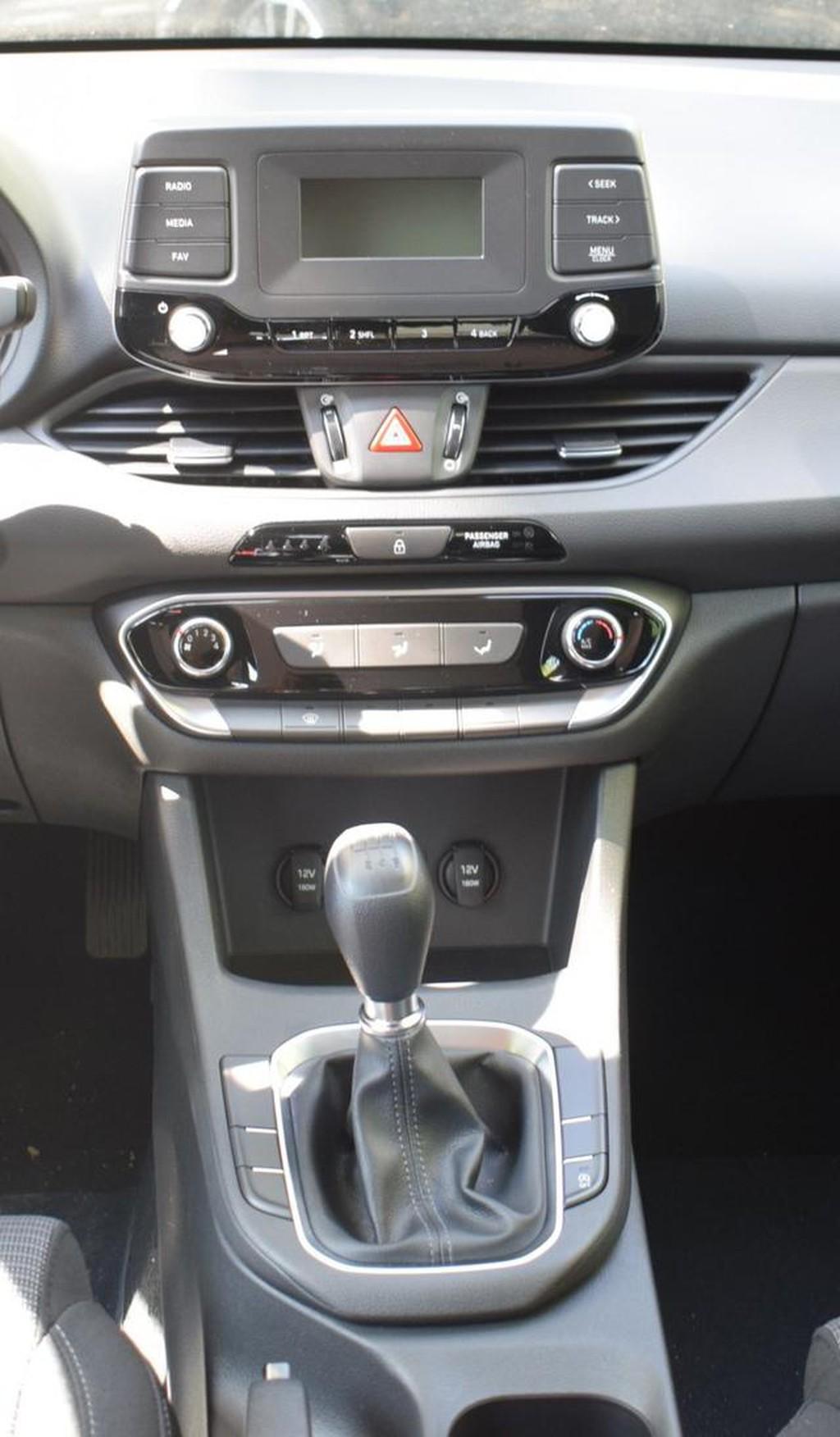Hyundai i30 1.4 M T Pure el Spiegel Fensterheb