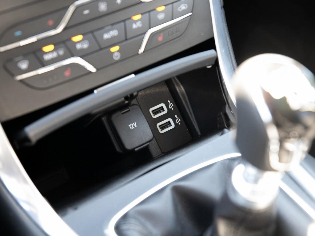 Ford Galaxy Titanium Vorlauffahrzeug