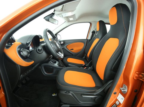 smart ForFour passion FOR THE ORANGE SIDE OF LIFE