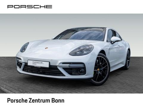 Porsche Panamera Turbo S E-Hybrid Abstandstempomat