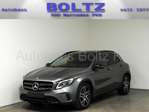 Mercedes-Benz GLA 200 Urban Night Business P