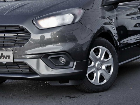 Ford Tourneo Courier Trend | WinterPaket | |