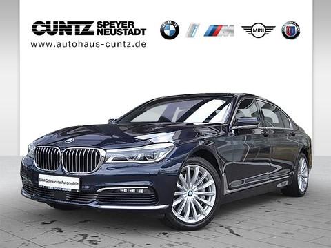 BMW 750 i Li xDrive Limousine Executive Lounge