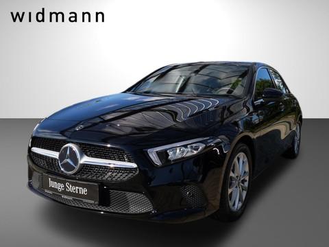 Mercedes-Benz A 180 MBUX Progressive