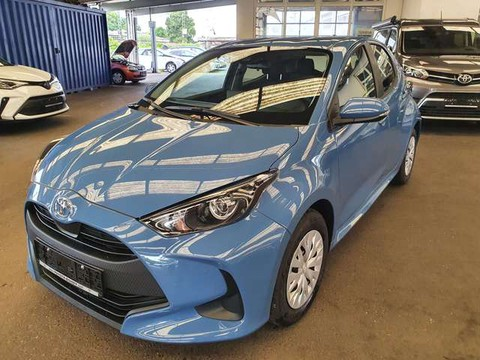 Toyota Yaris 1.0 Comfort 5-T in Stock Red Deal
