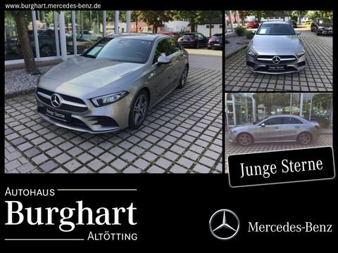 Mercedes-Benz A 200 Limousine AMG Line Parkpaket
