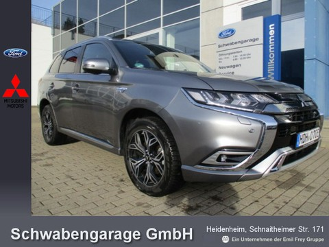 Mitsubishi Plug-in Hybrid Outlander 2.4 Plus Intro-Pak