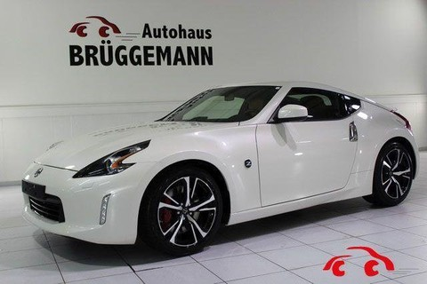 Nissan 370Z COUPE MY19 AUTO PACK LM19