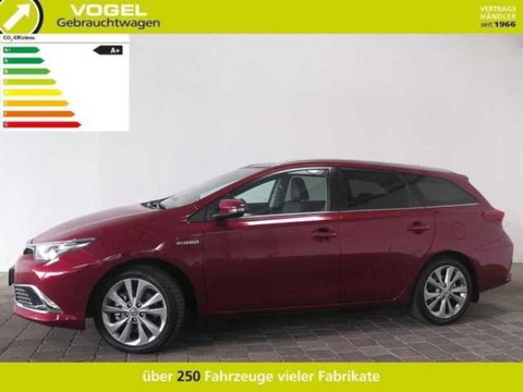 Toyota Auris Touring Sports 1.8 Hybrid Skyview