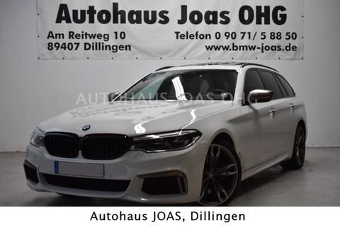 BMW M550 d xDrive kardon)