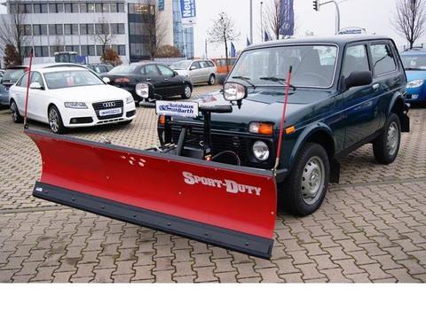 Lada Niva 1.7 i Winterdienstumbau Pflug Streuer