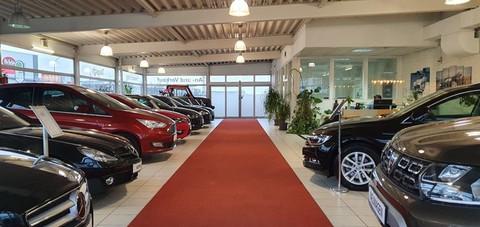 Mazda 5 Center