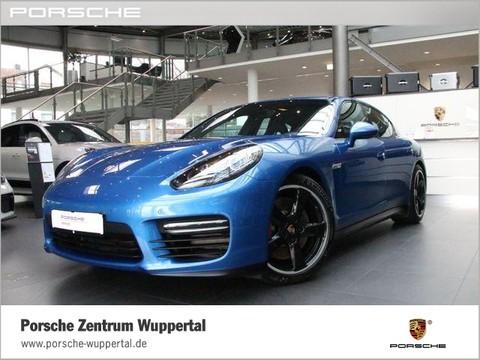 Porsche Panamera GTS Indivdualfarbe Saphirblau