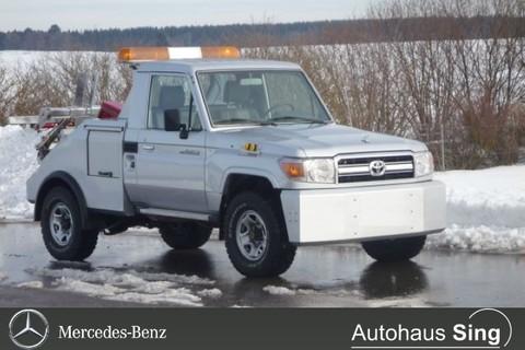 Toyota Land Cruiser GRJ79 SingleCab Abschleppwagen
