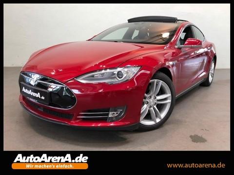 Tesla Model S 90D Autopilot