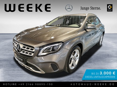 Mercedes-Benz GLA 180 Urban MEDIA-DISPLAY F