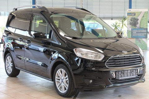 Ford Tourneo Courier 1.0 Titanium WinterP