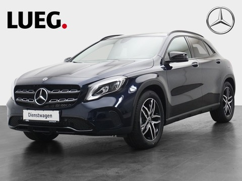 Mercedes GLA 180 Urban Panodach Night