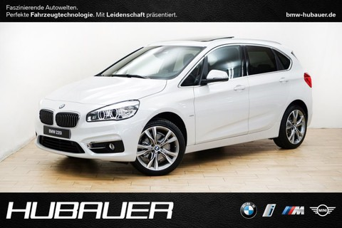 BMW 220 i Active Tourer A [Luxury]