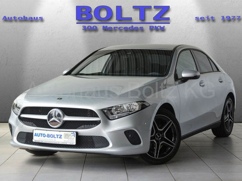 Mercedes-Benz A 180 MBUX Parkass Klimaa