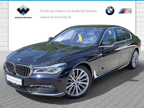 BMW 750 i xDrive Limousine Ferngesteuertes Parken