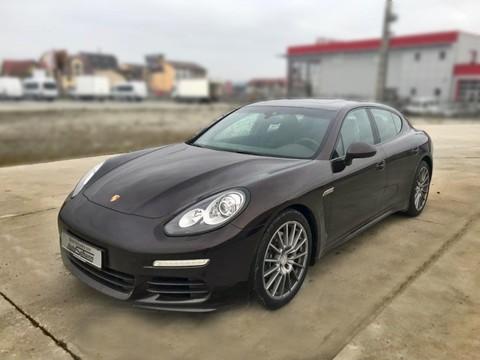 Porsche Panamera Diesel Edition --