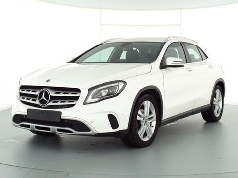 Mercedes-Benz GLA 180 --