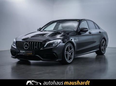 Mercedes-Benz C 63 AMG NUR FÜR DEN ECHTEN SPORTFAHRER