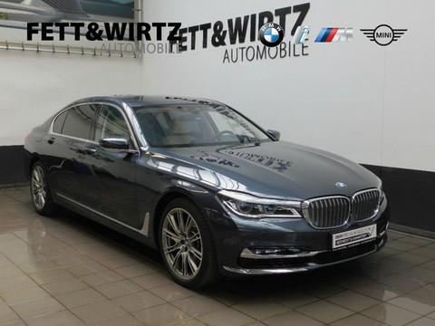 BMW M760 Li xDrive Executive Lounge NightV B&W