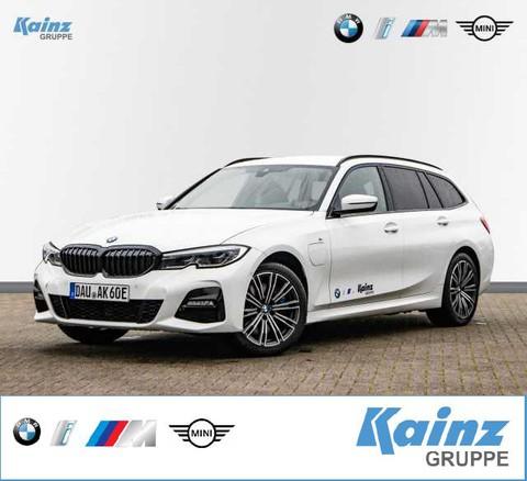 BMW 330 e M Sport M-Paket schwenkbar Laserlicht
