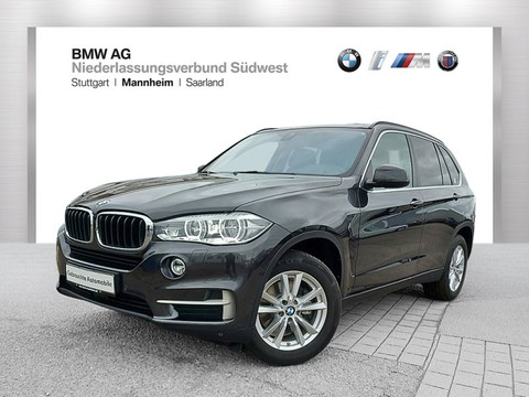BMW X5 xDrive35i Fond orientiert