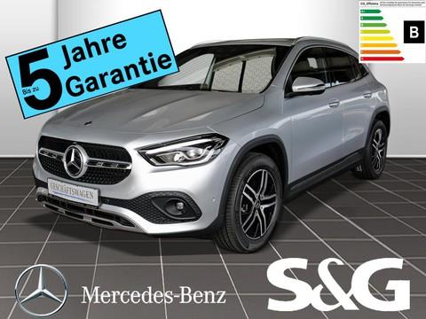 Mercedes-Benz GLA 200 PROGRESSIVE ° MBUX