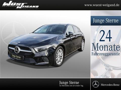 Mercedes-Benz A 220 MBUX °